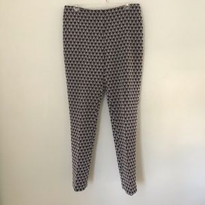 J McLaughlin blue and white damask style pants 8